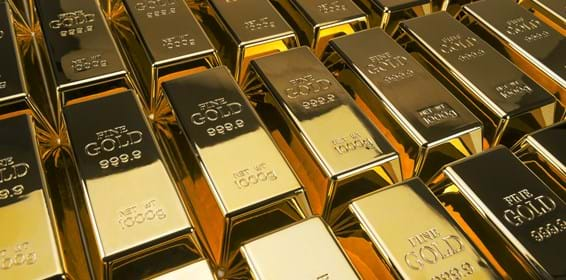 Gold price tops $2,000 an ounce for the first time
